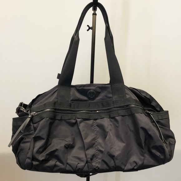 lululemon athletica Handbags - Lululemon black nylon bag, 70989